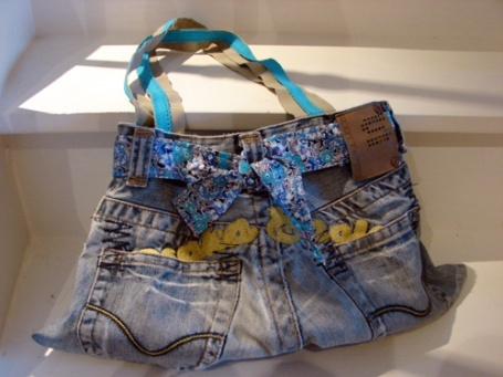 sac en jean et liberty fait maison ma babrique de sacs pinterest liberty and jeans. Black Bedroom Furniture Sets. Home Design Ideas