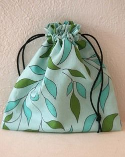 Better Lined Drawstring Bag tutorial - with contrast lining & no exposed seams.