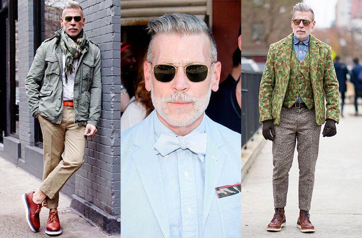 En la imagen aparece Nick wooster vistiendo distintos looks en algodón usando prendas con estampado camuflado