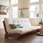 デンマークの家具ブランド「カーラップ」製のソファー。座り心地、寝心地にもこだわった北欧デザインです。ハイバックソファが簡単操作であっという間にダブルベッドに。マットは綿100%で肌触りもさわやか。