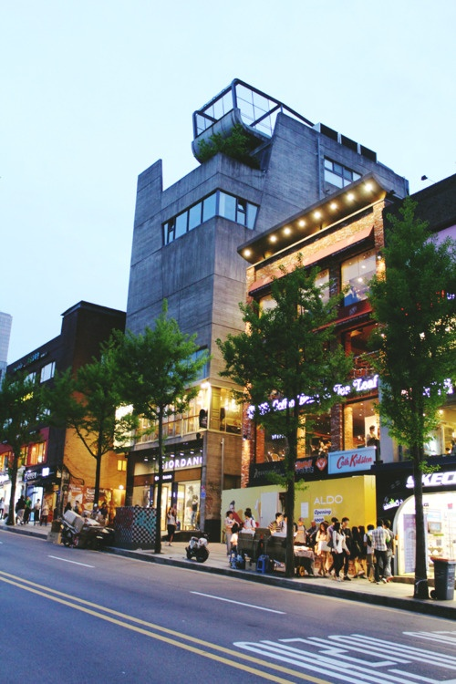 Hongdae, South Korea Hangout Place - Nightlife Cafe - Anthracite Coffee Roasters