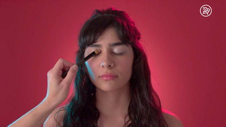 How to apply your eye make-up