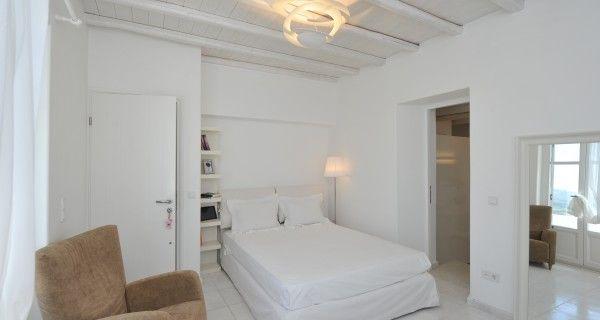 Master Bedroom of Moonlight Villa in Paros Greece. http://instylevillas.net/property/moonlight-villa-paros/