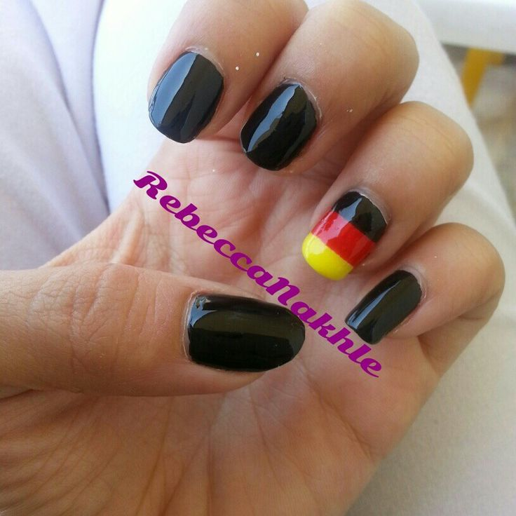 Upclose on My Germany Nails