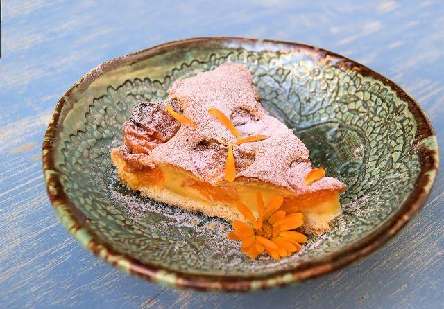 szczypta smaQ: Tarta z morelami z kremem budyniowym na mleku nerk...