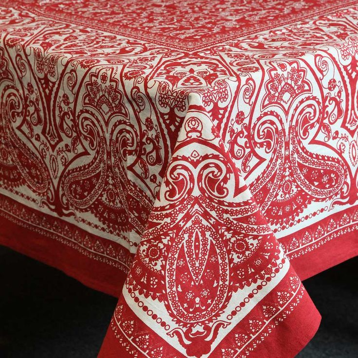 Paisley Print Tablecloth in Red