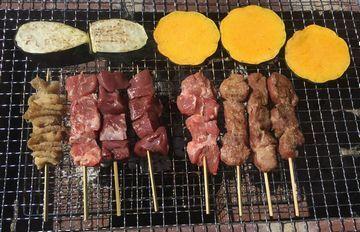焼きトン!コレ、バーベキューにピッタリ♡焼いたお肉には、お好みで柚子胡椒やワサビを添えて、どうぞ!(^^)!