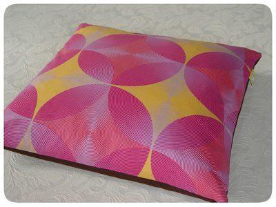 cirkels oranje - roze Studio Zeepsop uit Vlisco stof