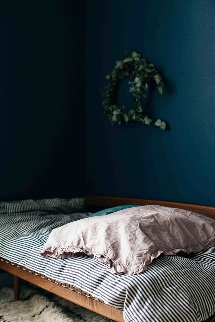 Best 20 Midnight Blue Bedroom Ideas On Pinterest
