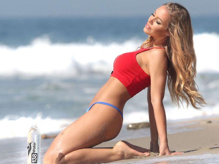 Nicole Aniston bikini rojo Canal Girl