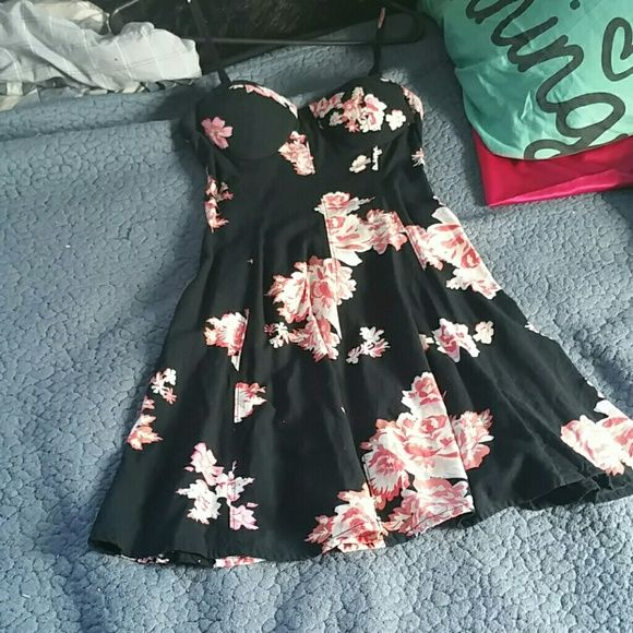 American eagle dress Adorable and flowy for summer American Eagle Outfitters Dresses