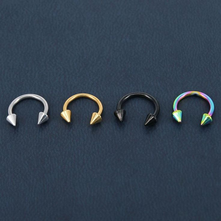 Hufeisenhantel mit schwarzer Pfeilspitze, Septumring, Lippenring, Augenbrauenpiercing, Daith …  – accessories