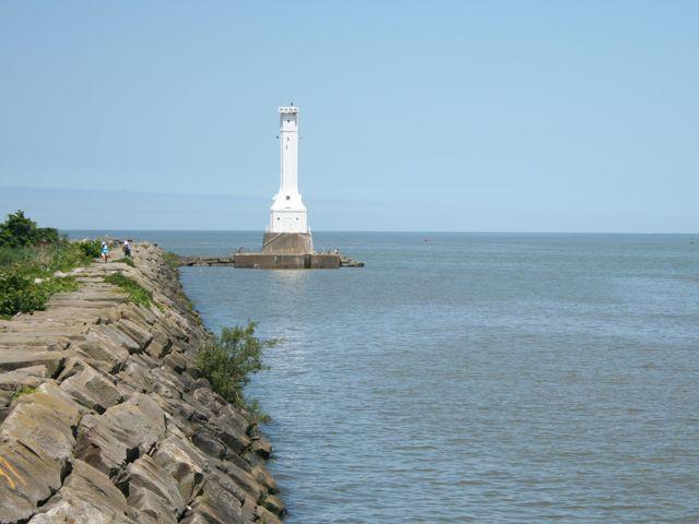Huron lighthouse fishing pier ohio pinterest for Lake erie pier fishing