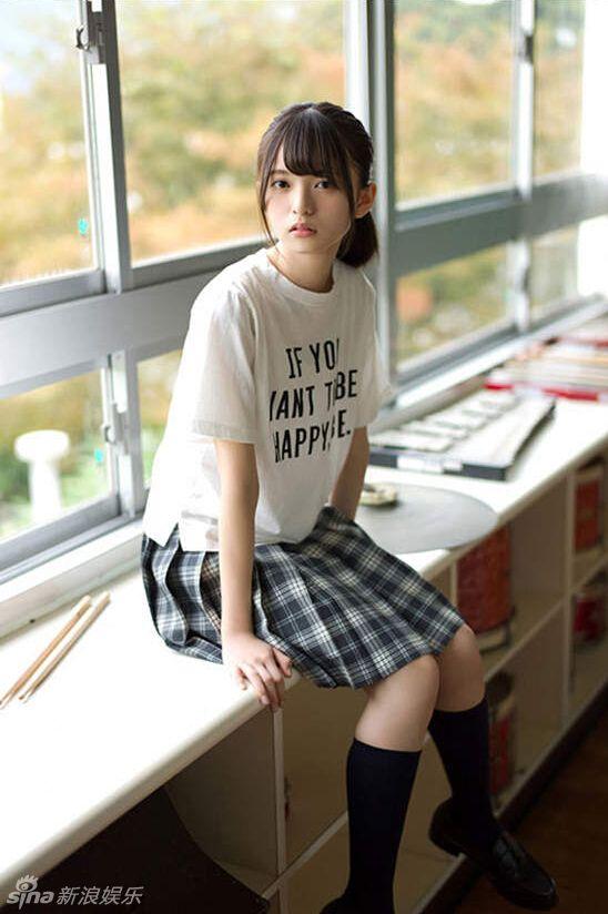 神に選ばれし美少女」 齋藤飛鳥のピュアな制服姿