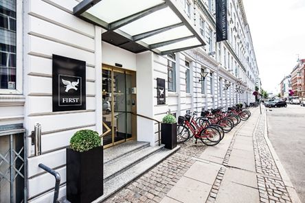 Where to Stay in Copenhagen: First Hotel Mayfair is another great option. It's located in a beautiful area, surrounded by classic Danish buildings. It's also very close to a train station. The staff is very professional and the rooms are comfortable! Price: 800Dkr per night for a double room.