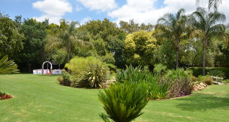 Bush Loerie Function Venue - Lavish green gardens, perfect for that summer wedding