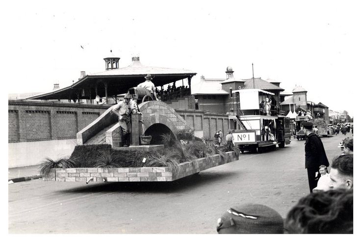 """Image 21806140 - A float in the """"Australia's March to Nationhood"""" parade on January 26th, 1938. This image was taken in Driver Avenue, Moore Park. [RAHS Australia Day 1938 - Sesquicentenary Celebrations Collection]"""