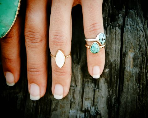Cute midi rings from Bahgusu. Love the turquoise ones!