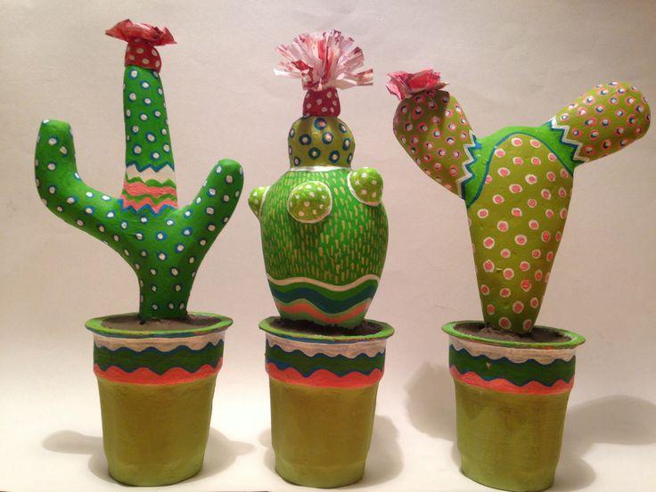 Cactus papel mache, por Abisluz