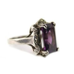 1935-42 Deco Purple Ring This reminds me of a ring that my Nanny had!!! It's SO pretty and classic!!!