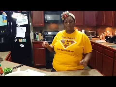 Sunday Kooking with Khalilah :New Orleans Style Combination ( pork, beef, shrimp) Yakamein Soup - YouTube
