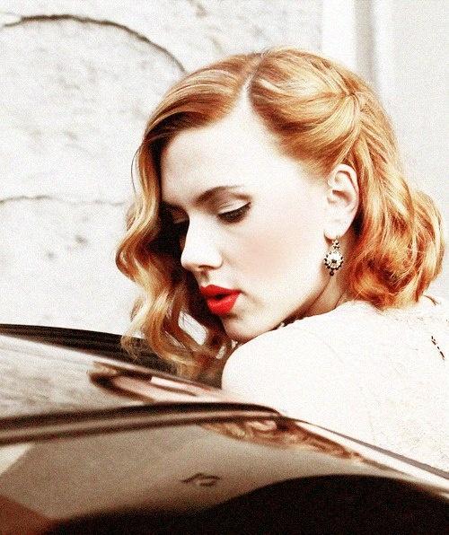 Scarlett Johanson and her vintage look