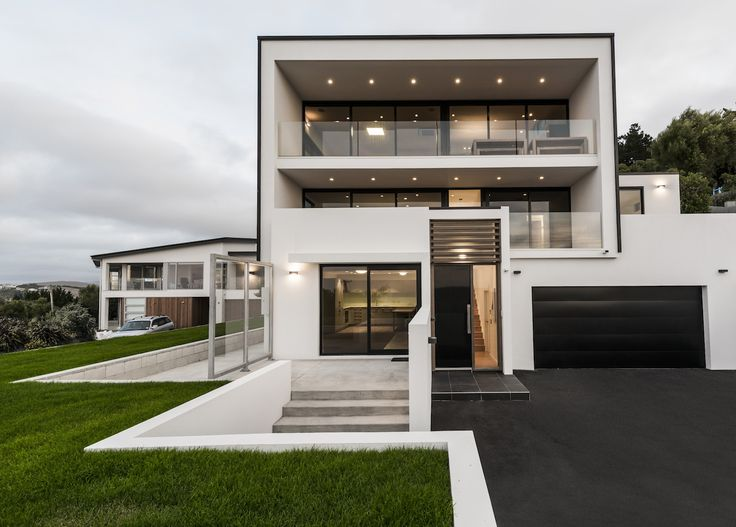 Striking Black And White Home Designed By Peter Wynyard Of Archimetrix  #ADNZ #architecture #