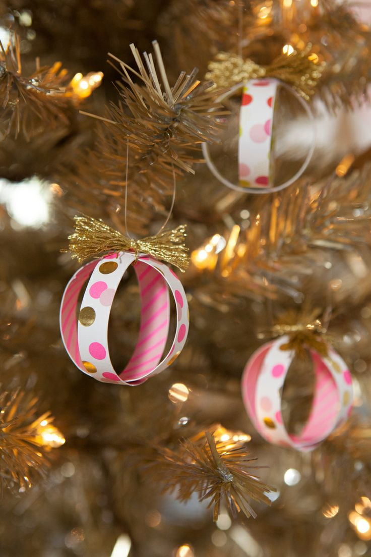 Name christmas ornaments - Diy Graphic Ball Ornaments Use Leftover Wrapping Paper Magazines Postcards You Name