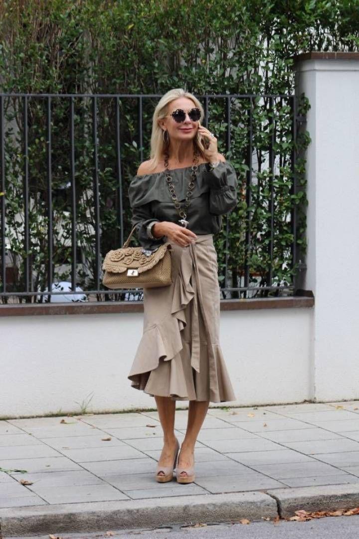 Kleine Frau Ganz Gross In 2020 Instagram Outfits 60er Mode Und Kleidung Frauen