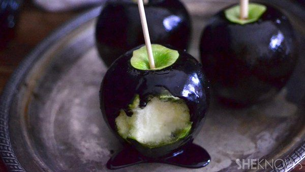 "How fun are these ""poison apple""! This Halloween, dress up like Snow White and serve these black poison apples."