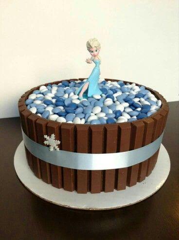 Original pastel para celebración de cumpleaños Frozen. #Frozen #tarta