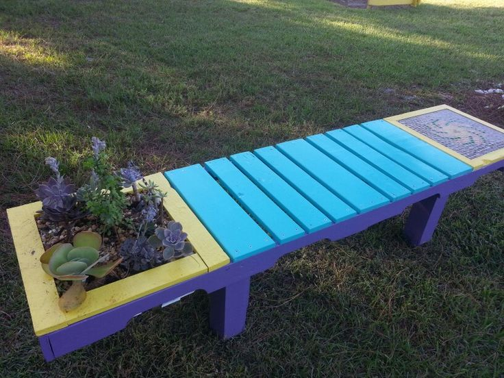 KEY WEST Style Pallet Bench.