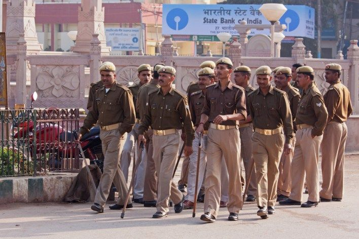 No More Uncomfortable Khaki Indian Cop Uniforms to Get a Makeover Soon!