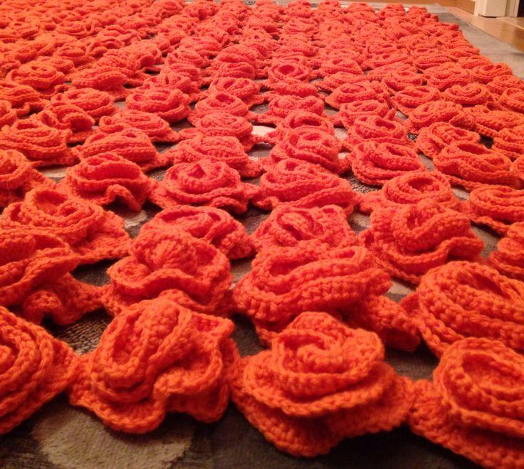 Crochet roses blanket