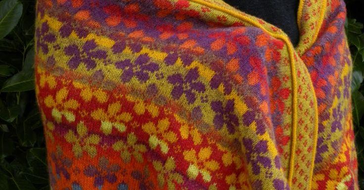 Endelig har sjalet fået sit navn - opskriften er lavet og er nu til salg på min hjemmeside: http://www.ruths.dk/dansk/in...