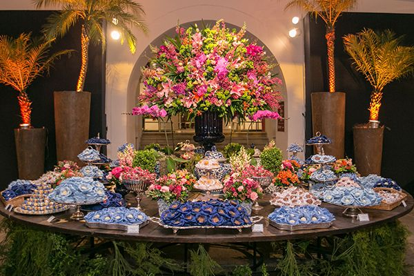 Mesa de doce - casamento clássico - decoração em rosa e azul ( Foto: Marina Fava | Local: Museu HIstórico Nacional )