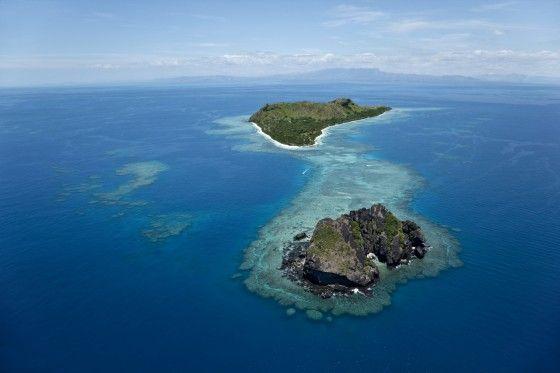 Vomo Fijian Resort, Vomo Island and Vomo Lailai (foreground).