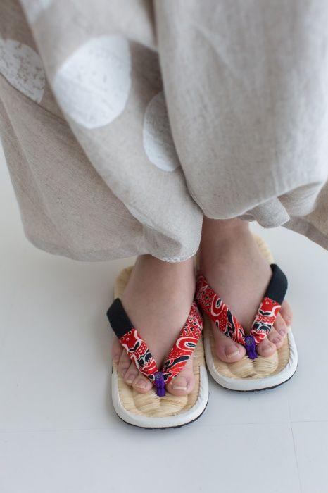 Asabura Zori Straw Sandals Red Jaguar : SOU • SOU US Online Store