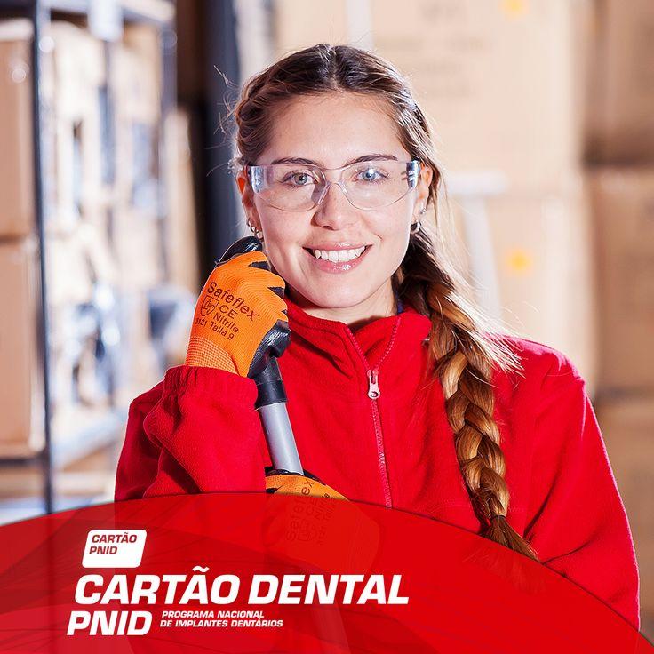 Os implantes são a solução mãos próxima da dentição natural, no que diz respeito à liberdade e estética que transmitem a quem opta por os colocar, sabia? -------------------- Adira JÁ ao seu Cartão: > http://www.pnid.pt/cartaodentalpnid/#saber-mais