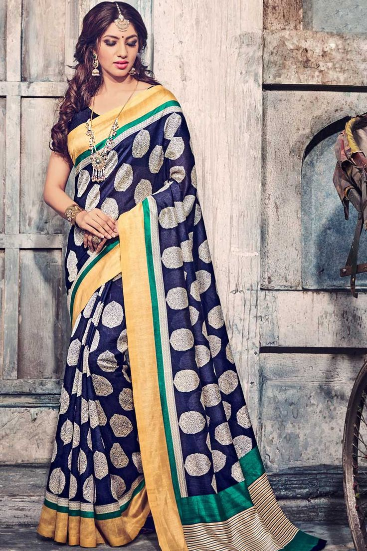 Navy Blue Art Silk Saree With Art Silk Blouse Price: £ 29 Navy Blue, art silk printed saree with navy blue, art silk blouse. Embellished with embroidery. Saree with Fancy Pallu and ,U Neck Blouse, Short Sleeve Blouse. It comes with unstitch blouse, it can be stitched to 34,36,38,40 sizes. Andaaz Fashion is the most popular designer wear online ethnic shop brands in UK. http://www.andaazfashion.co.uk/womens/sarees/navy-blue-art-silk-saree-with-art-silk-blouse-dmv9193.html