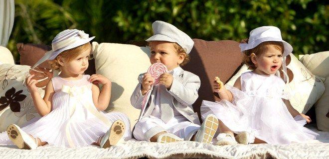 Όμορφες και γλυκές ευχές για την βάπτιση! Ας γίνει η ημέρα της βάπτισης του μωρού σας, ορόσημο για την εκπληκτική ζωή που το περιμένει. Να το χαίρεστε! Εύχομαι η κάθε μέρα που θα ξημερώνει για το π…