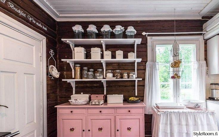 vaaleanpunainen,senkki,romanttinen,hirsiseinä,keittiön pikkutavarat