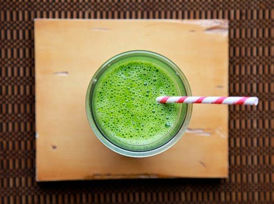 Nutrients In Disguise: Kale, Spinach & Pear Smoothie | Kitchn