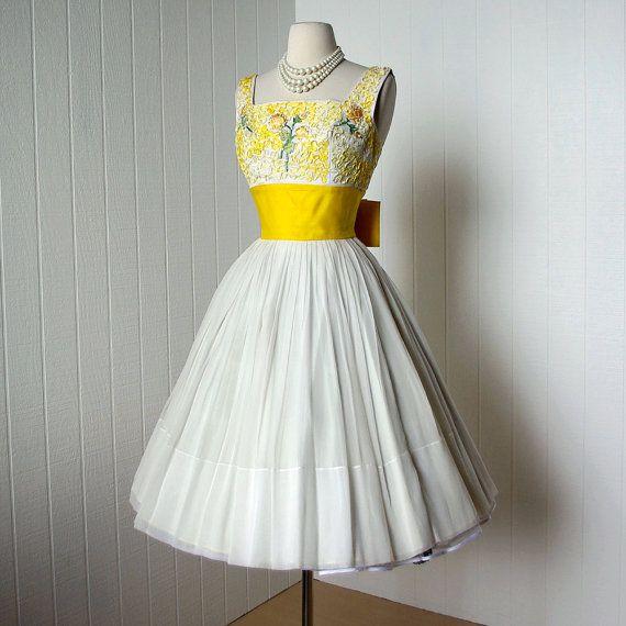 ##vintage 1950's dress  Vintage dress #2dayslook #Vintagestyle #Vintagefashiondress  www.2dayslook.com