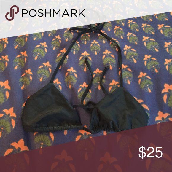 Black Triangle Bikini Top Size large FITS LIKE A SMALL, never worn Beach Riot Swim Bikinis