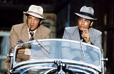 "Le Borsalino porté par Delon et Belmondo dans le film de Jacques Deray ""Borsalino"" en 1970."