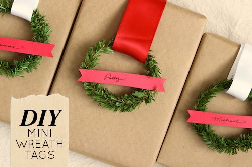 DIY mini wreaths gift tags