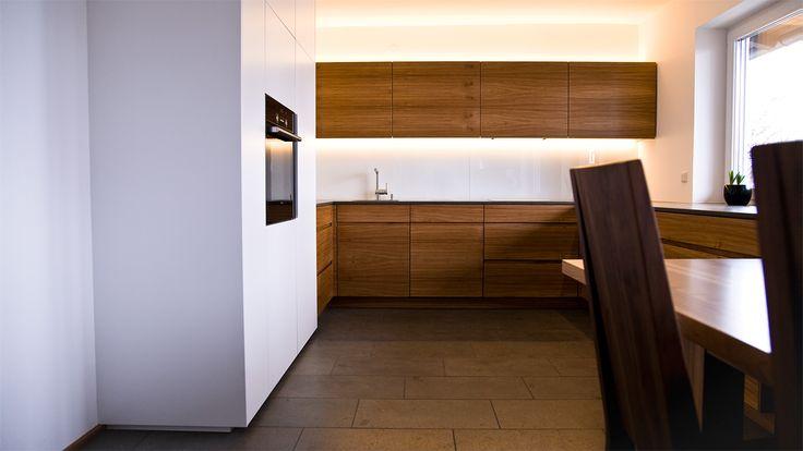 SCHREINERKÜCHEN - Held Schreinerei Interior Design Freising - Küchen Weiß Hochglanz