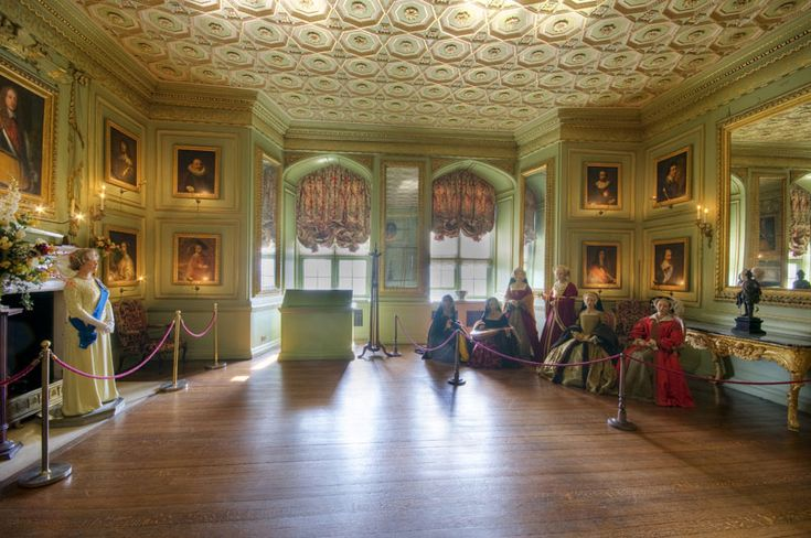 awesome interiors at warwick castle: the green drawing room | uk