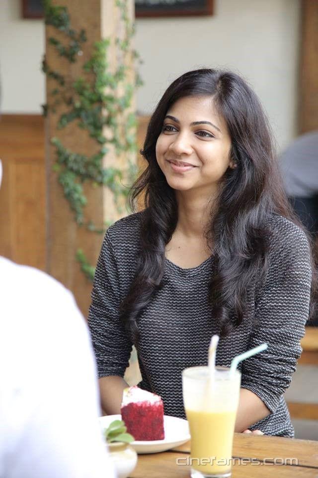 nice Premam Heroine Sai Pallavi (Malar) Photos